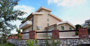 Villa for sale in Vlora