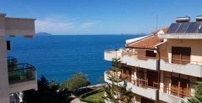 Jepet me qera Apartament me pamje nga deti ne Vlore