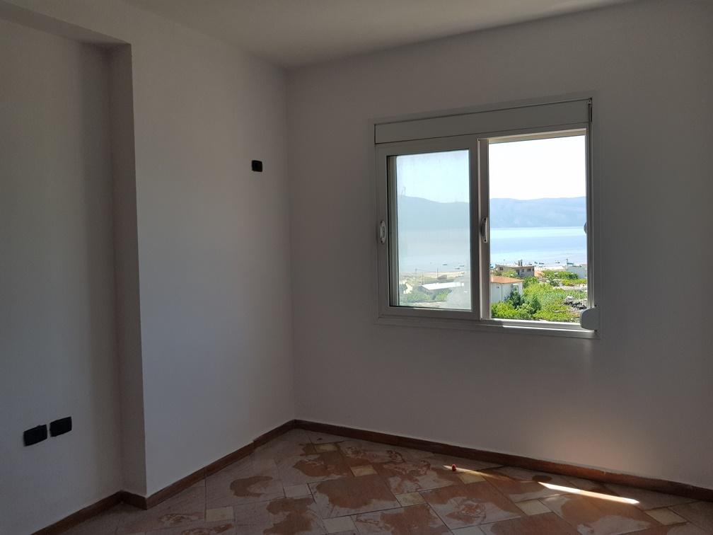 Apartament me pamje nga deti per shitje ne Vlore