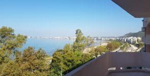 Shitet apartament me pamje nga deti ne Lungomare