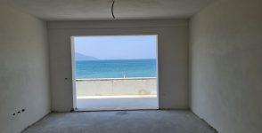 Apartament me pamje nga deti per shitje ne Radhime